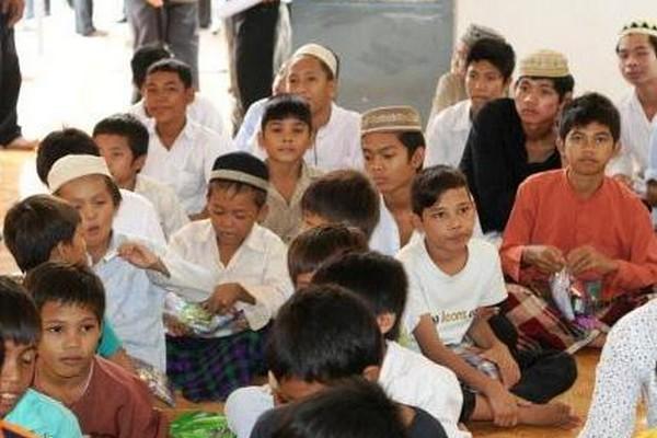 muslim tour package phnom penh cambodia